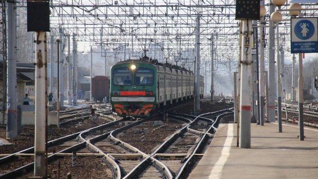 Женщина угодила под поезд вПодмосковье